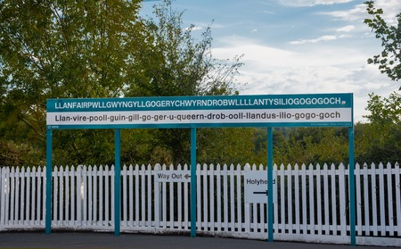 uk: The longest place name of the UK, Llanfairpwllgwyngyll, on a sign