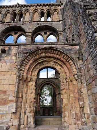 abbey ruins abbey: The ruins of Jedburgh Abbey in the Scottisch Borders region in Scotland