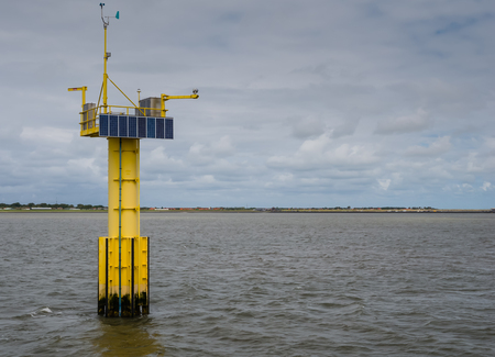 sola: Sola panels mounted a measuring unit for wave and tidal energy in the Dutch Waddenzee