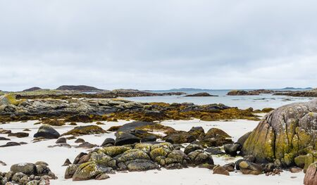 Shore at western point of the Isle of Mull, Scotland Banque d'images - 135031631