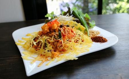 tamarindo: Thailand Tamarind Prawns fried egg.