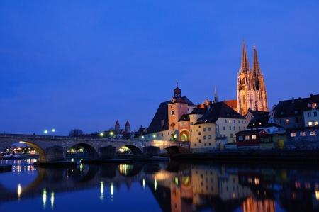 Stare miasto Regensburg – Zmierzch, Niemcy Zdjęcie Seryjne