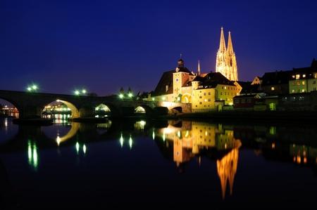 Alte Stadt Regensburg in der Dämmerung, Deutschland Lizenzfreie Bilder - 9210162