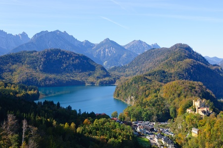 Schloss Hohenschwangau und dem See Alp