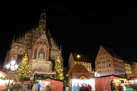 Weihnachtsmarkt Christkindlesmarkt in Nürnberg, Deutschland Lizenzfreie Bilder