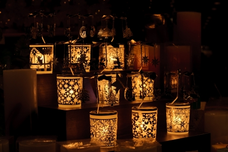 Kerzen auf dem Weihnachtsmarkt von Nürnberg in Deutschland