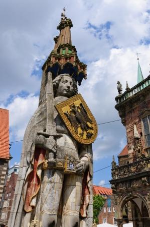 Die Statue des Roland ist im Jahre 1404 errichtet Es steht auf dem Marktplatz, im Zentrum von Bremen