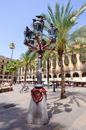 Plaa Reial in Barcelona, ??Spanien Standard-Bild - 29670195