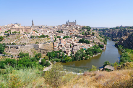 Die historische Stadt Toledo in Spanien Standard-Bild - 29669897