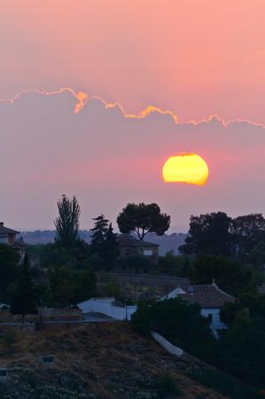 Sonnenuntergang von der historischen Altstadt von Toledo in der Abenddämmerung in Spanien Lizenzfreie Bilder