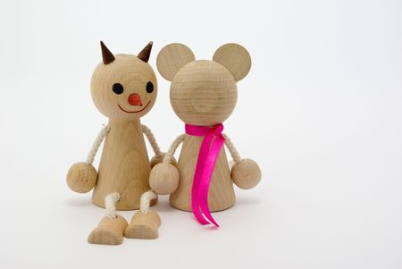 thrilling: Wooden figures of friends in love sitting valentines