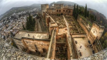 veda: Granada, Andalucia, Spain Dec 15 2012 - Alcazaba of Alhambra viewed from Tore De La Veda Editorial