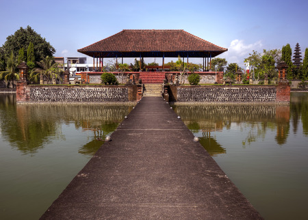 Lombok, Indonesia, 3 June 2014 - Pura Mayura water temple 新聞圖片