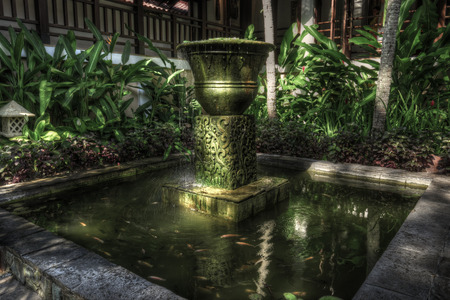 Lombok, Indonesia, 1 June 2014 - Fountain decoration at the entrance of Sheraton Senggigi  新聞圖片