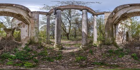 full spherical hdri panorama 360 degrees angle view inside stone abandoned ruined palace building with columns in equirectangular projection, VR AR virtual reality content Banco de Imagens