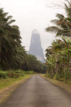 """tomo: Sao Tome grande roccia chiamata """"Grande Co"""" Archivio Fotografico"""