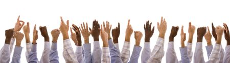 racisme: multiraciale handen gebaren samen (geïsoleerd op wit) Stockfoto