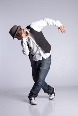 danseuse: Danseur hip-hop montrant certains mouvements Banque d'images