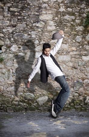 danza contemporanea: Hip hop dancer mostrando algunos movimientos