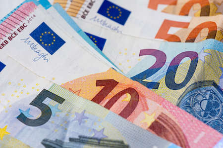 Bank notes of 5, 10, 20 and 50 euros. Close-up view Banque d'images