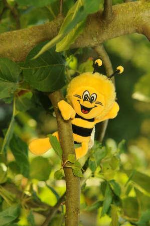 symbole: bee in the tree