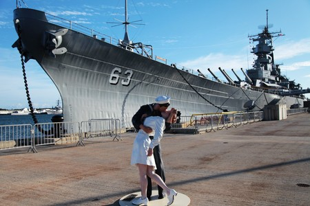 greatest: Kissing statue at the Greatest Generation Walk, Port of San Diego
