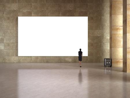 arte moderno: Mirada de la mujer en el marco en blanco en la galería de arte