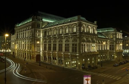 A nightshot of the opera house in Vienna.