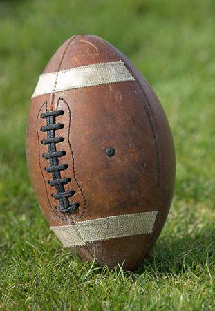 delito: Balompi� - primer del balompi� que est� parado vertical en el campo que juega.