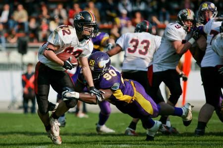 vikings: Ligue de Football autrichienne - Vienne Vikings jouant contre les Lions noire de Carinthie � Vienne - avril 2008 �ditoriale