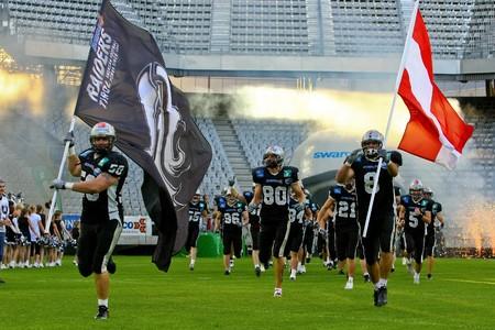 vikings: Innsbruck, Autriche - 5 juillet : Le Tyrol Raiders remporter la Ligue de football europ�en contre les Vikings de Vienne.