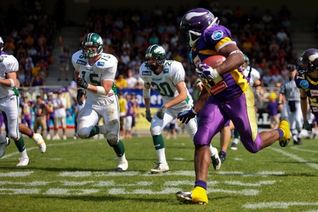 touchdown: Vienna,  AUSTRIA - May 10: Austrian Football League:  RB Chris James (#44, Vikings) and the Vienna Vikings lose to the Danube Dragons 24:27 on May 10, 2009 in Vienna, Austria. Editorial