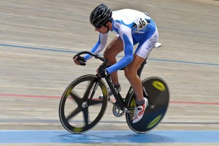 keirin: VIENNA, AUSTRIA - 11 gennaio Indoor traccia riunione ciclismo - Dimitri Polydoropoulos (Grecia) posti in sesto in punto di qualificazione gara maschile su 11 gennaio 2010 a Vienna, Austria.