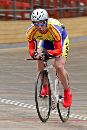keirin: VIENNA, AUSTRIA - 11 gennaio indoor traccia riunione ciclismo - Teimurasz Zauner (Georgia) posti dodicesima in tempo di 1000m maschile prova su 11 gennaio 2010 a Vienna.