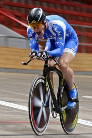 keirin: VIENNA,  AUSTRIA - JANUARY 11 Indoor track cycling meeting - Francesco Ceci (Italy) places second in the mens time trial on January 11, 2010 in Vienna, Austria. Editorial