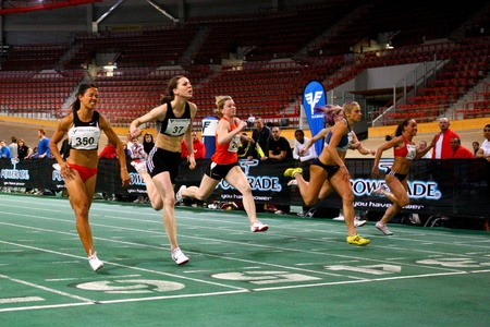 sports venue: Viena, AUSTRIA - 2 de febrero reuni�n de atletismo bajo techo. Cherese Jones (# 350 de Sud�frica) gana el sprint de 60 m de la mujer, 2 de febrero de 2010 en Viena, Austria.