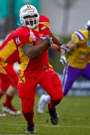 VIENNA, AUSTRIA - MARCH 28 Vienna Vikings beat St. Poelten Invaders in an AFL-season game 56-16 on March 28, 2010. Shown is RB Germaine Race (#3, Invaders). Stock Photo - 8465070
