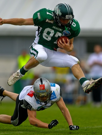 KORNEUBURG, AUSTRIA - MAY 8 Danube Dragons beat  Tirol Raiders in an AFL-season game 33-28 on May 8, 2010. Shown is WR Michael Janik (Dragons #87). Stock Photo - 8465280