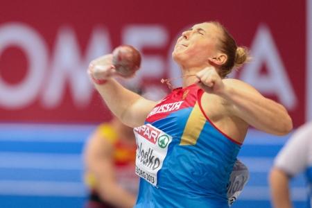 lancio del peso: Gothenburg, Svezia - 3 marzo Yevgeniya Kolodko (Russia) posti secondo nel tiro delle donne messe finali durante i Campionati Europei Indoor di Atletica il 3 marzo 2013 a G�teborg, in Svezia.