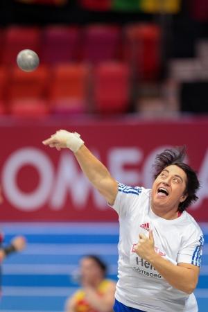 lancio del peso: Gothenburg, Svezia - 3 marzo Anca Heltne (Romania) inserisce settimo nel tiro delle donne messe finali durante i Campionati Europei Indoor di Atletica il 3 marzo 2013 a G�teborg, in Svezia.