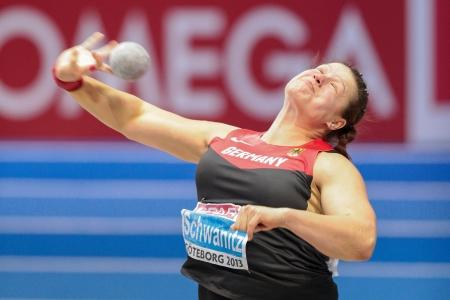 lancio del peso: Gothenburg, Svezia - 3 marzo Christina Schwanitz (Germania) conquista un tiro delle donne finali messo durante i Campionati Europei Indoor di Atletica il 3 marzo 2013 a G�teborg, in Svezia.