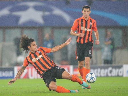 VIENNA, AUSTRIA - AUGUST 19, 2015: Marcio Azevedo (FC Shakhtar) kicks the ball in an UEFA Champions League qualification game.