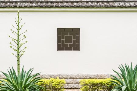 Chinese Quadrat Stil Fenster an der Wand im Hinterhof, Gartenarbeit, Kopie, Raum. Standard-Bild - 60100764