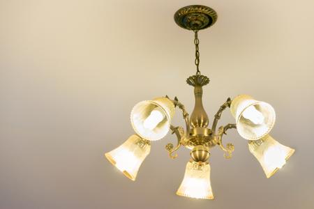 Deckenleuchte für Innendekoration, alte Art Zellstofflampe, Kopienraum. Standard-Bild - 62466079