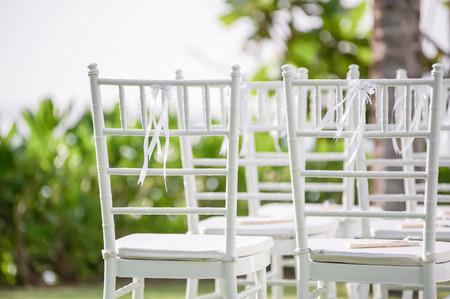 Einfache Hochzeit Dekorationen und Anordnung, Blumen, Hochzeit Sand Zeremonie. selektiven Fokus. Standard-Bild - 62466695