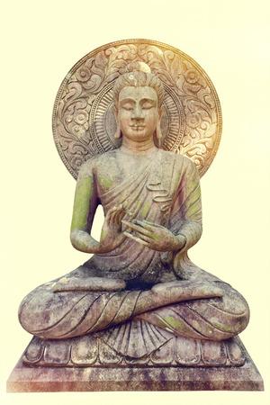Buddha-Statue auf getrenntem Hintergrund Standard-Bild - 62466799