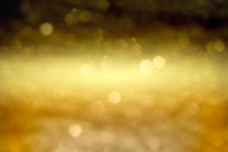 クリスマスの背景。ボケ味を持つお祭りの抽象的な背景デフォーカス ライトと星