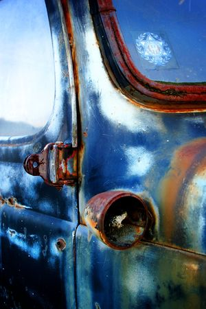 An old car that I found at an abandoned oil refinery in Ventura California. Stock Photo - 2457938