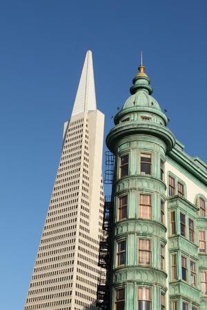 transamerica: View of the Transamerica Pyramid Building in San Francisco