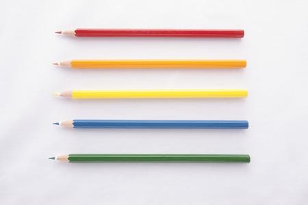 lapiz: L�pices de color aislados sobre fondo blanco  Foto de archivo